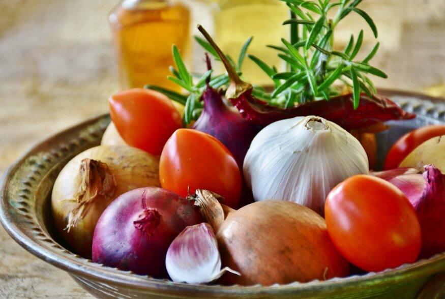 11 nippi, kuidas köögis aega säästa ja siiski söönuks saada