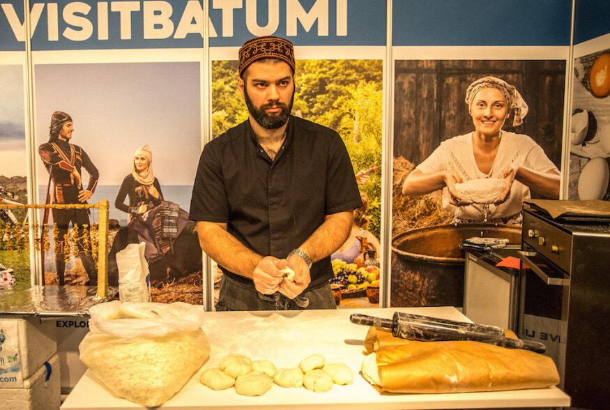 Restorani Tbilisi peakokk jagas Tourestil Gruusia hatšapuri retsepti