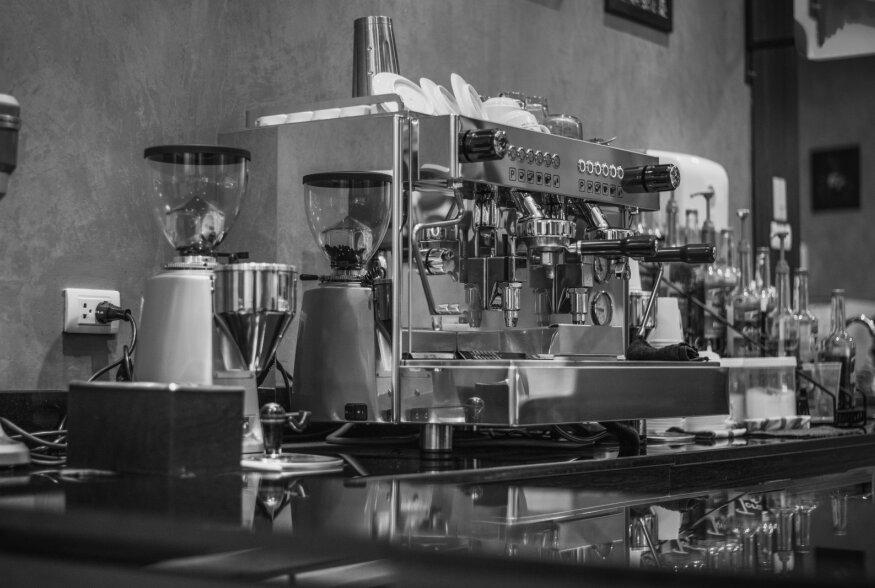 KOHVIMASINATE ARENG | Soov kiiremini kliendile aurav jook pakkuda, kiirustas tagant espressomasinate arengut