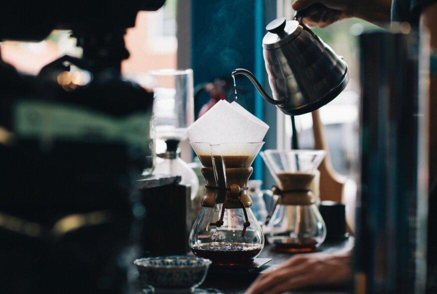 KOHVIJUTUD   Kuidas valmistada head filtrikohvi: kohvi valmistamine edasijõudnutele