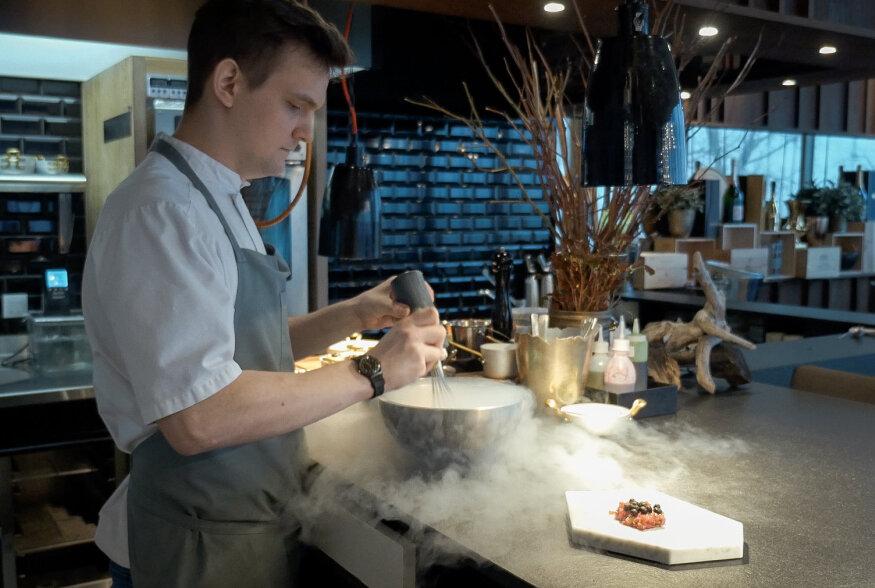 EV98 VIDEORETSEPTID: Restoran NOA peakoka soovitused vabariigi sünnipäeva peolauale
