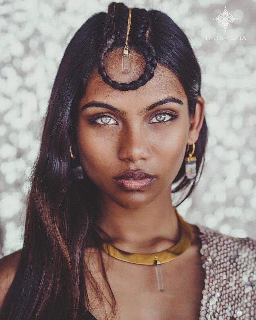 21-летняя модель собложки Vogue ушла изжизни при загадочных обстоятельствах