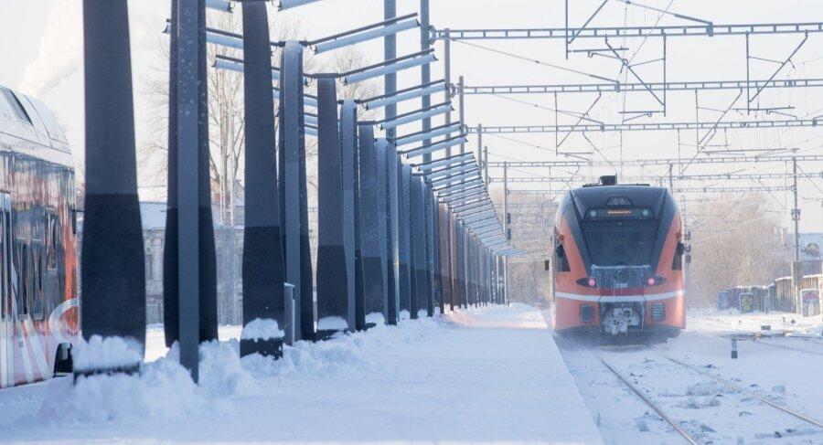 """<span>Investeerimispankurid selgitavad: kuidas võiks Elron rongide kõrget intressi vähendada?</span><span class=""""right"""">Foto: Rauno Volmar</span>"""