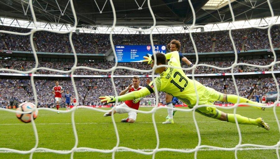 «Арсенал» обыграл «Челси» вфинале Кубка Британии  пофутболу
