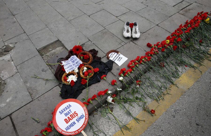 Количество жертв теракта вАнкаре выросло практически до100 человек— Премьер