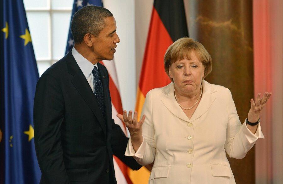 Порошенко побеседовал сМеркель отрагедии вБабьем Яру