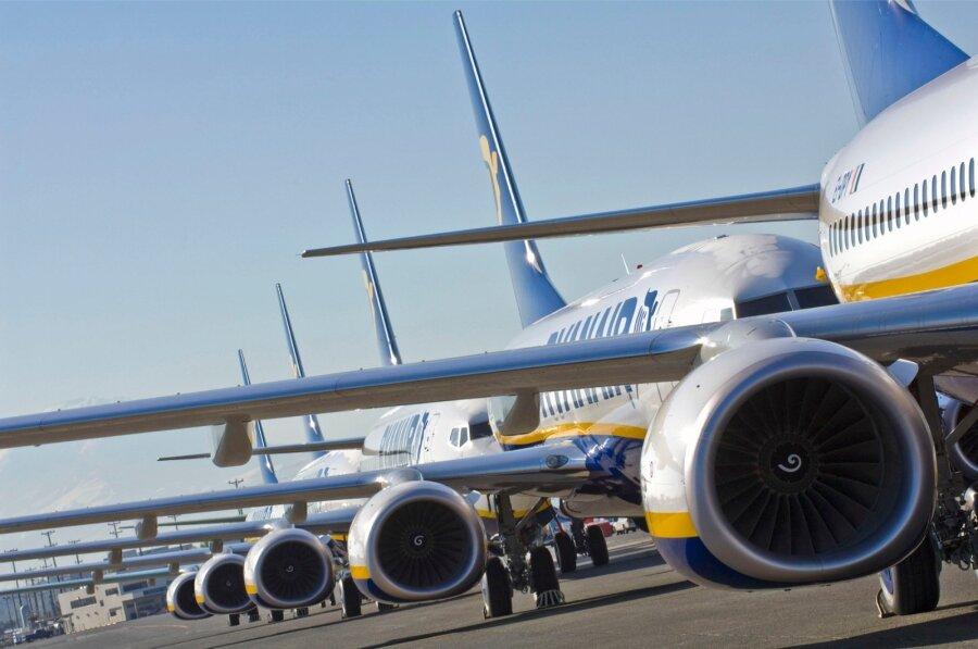 Авиакомпания Ryanair отменяет рейсы, «напутав» сотпусками пилотов