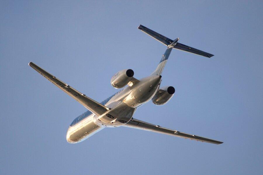 ВАвстралии радиохулиган выдал себя заавиадиспетчера ипрервал посадку самолета
