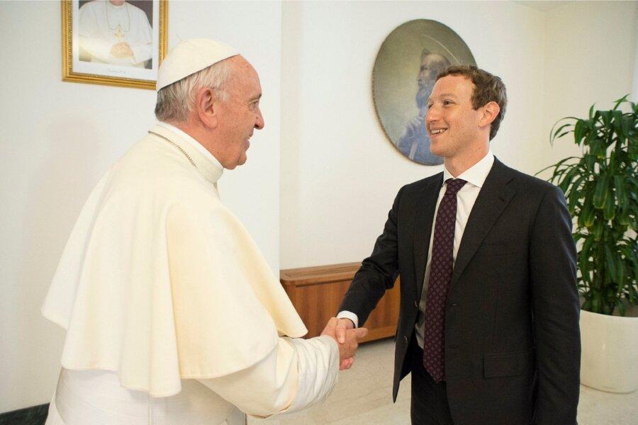 Папа Римский встретился с«отцом» социальных сетей
