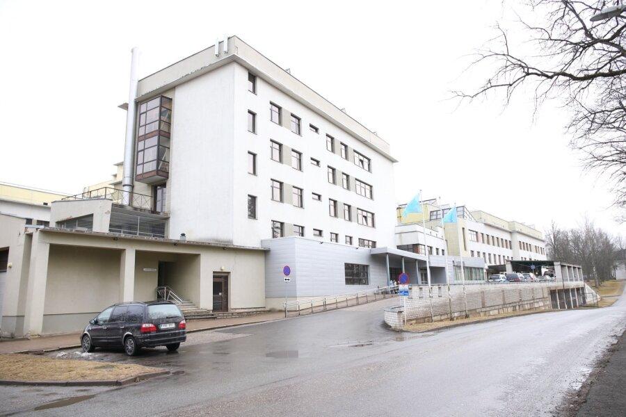 100 SEKUNDIT: Valga haiglas vigastas hullunud psühhiaatriapatsient 12 inimest; iseendaga töölepingu sõlminud Meelis Pai kutsuti Linnahalli nõukogust tagasi