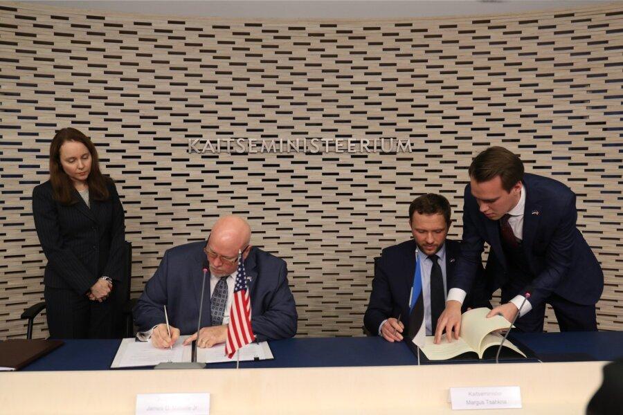 Литва подписала сСША договор овоенном сотрудничестве