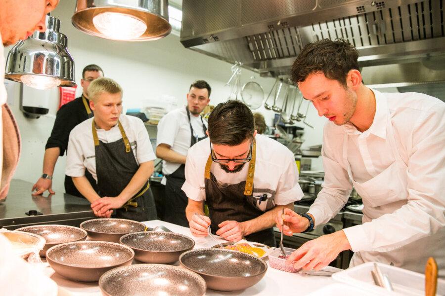 INTERVJUU | Taanis töötav Eesti tippkokk Artur Kazaritski: koka elukutse on kõige vägevam kõigest, samas ei ole siin nõrkadele kohta