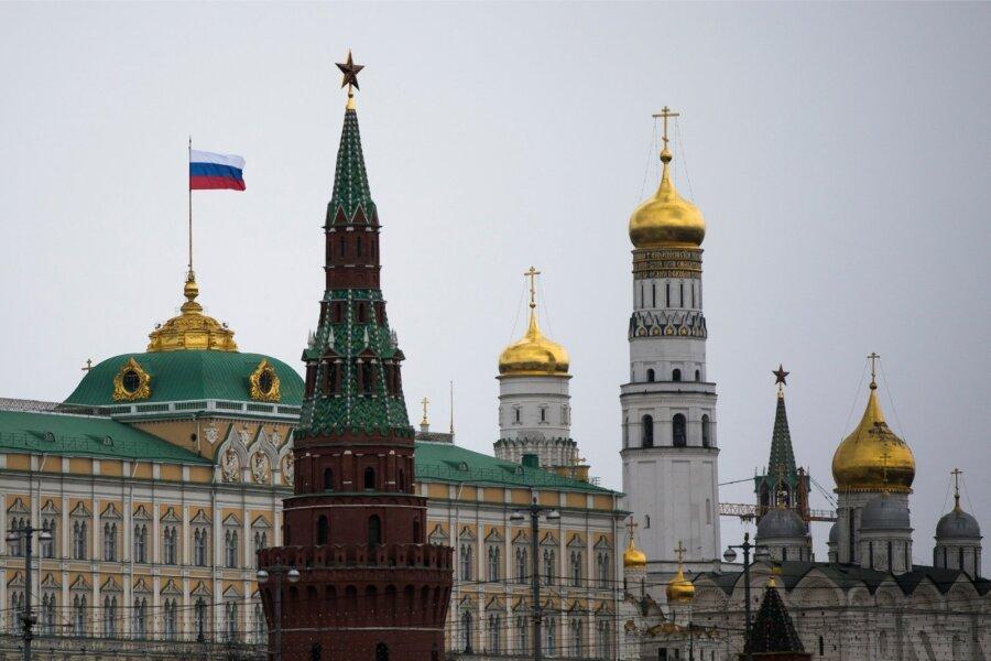 Медведев подтвердил возможность разрыва дипотношений с Украинским государством