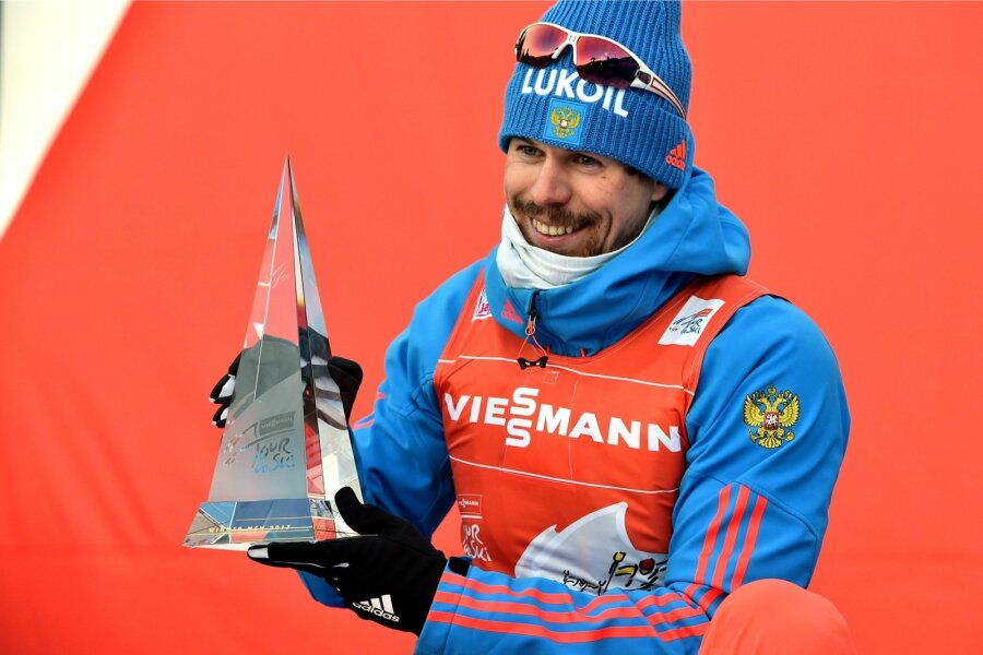 Лыжник Устюгов стал чемпионом «Тур деСки»