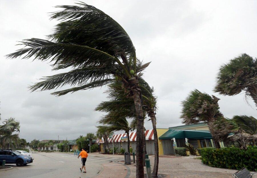 Всети интернет появилось видео разрушительного урагана «Мэтью»