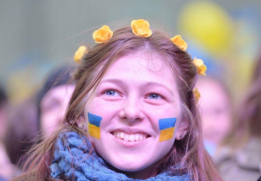 Украинцы считают патриотами участников АТО исебя,— опрос