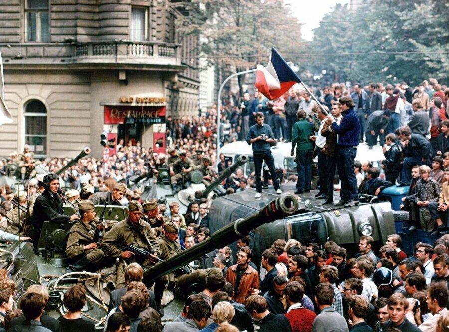 Президент Чехии раскритиковал статью «Звезды» овторжении вЧехословакию