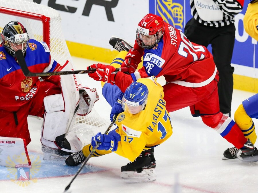 Сборная РФ проиграла Швеции побуллитам намолодежномЧМ похоккею