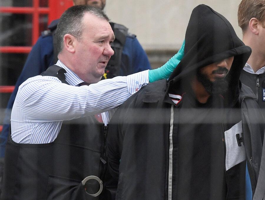 Встолице Англии впроцессе антитеррористического рейда задержали четырёх человек