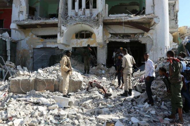Террористы захватили отель встолице Сомали