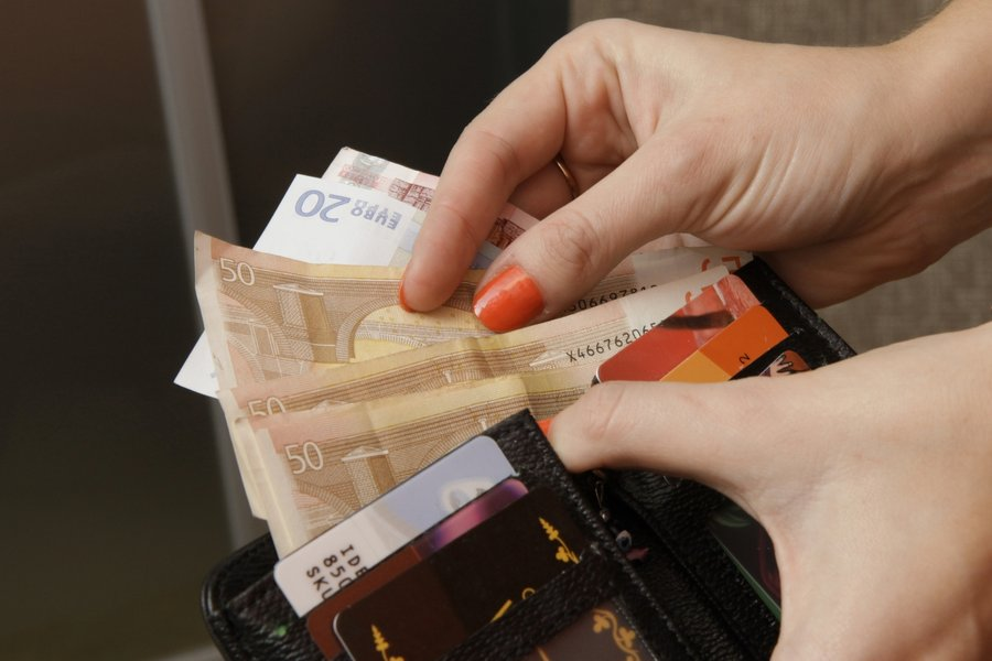 Как могут заставить платить алименты в казахстане?