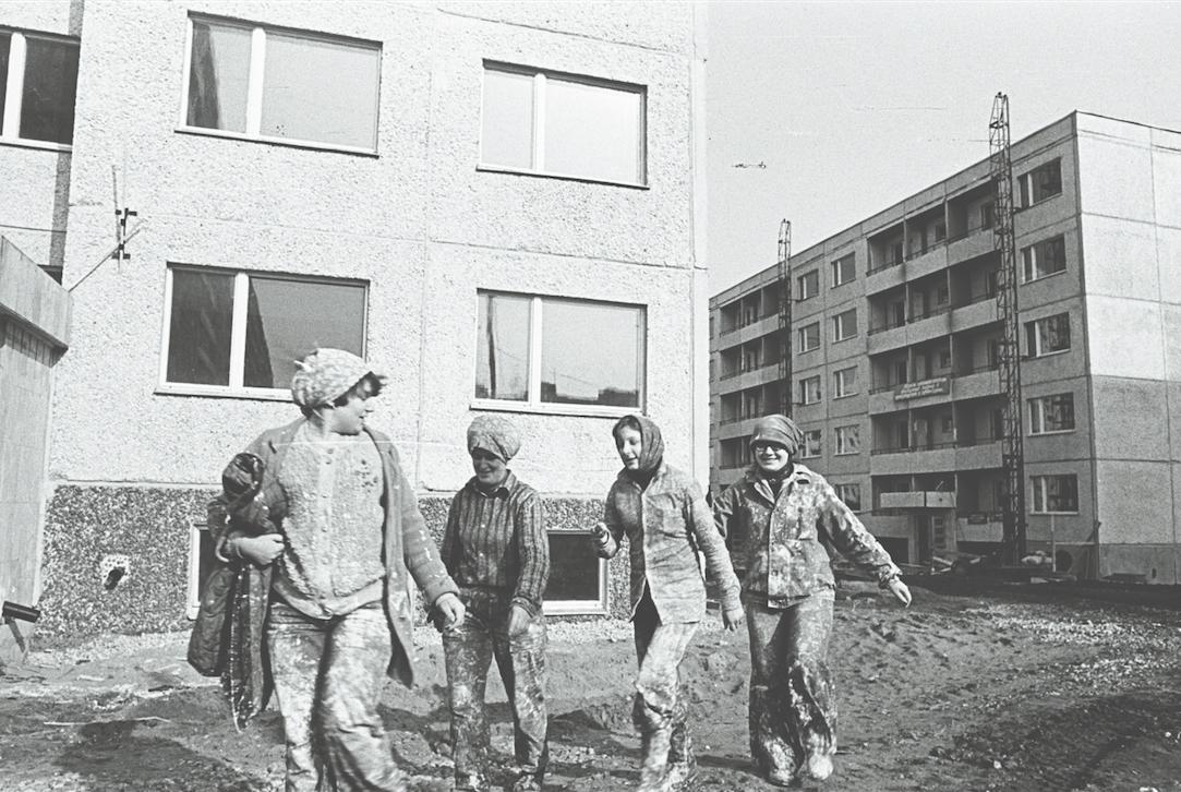 Lustakad maalrinaised töötasid brigaadidena, 1980ndad. Foto: Rahvusarhiiv
