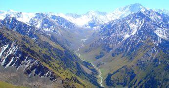 Matkareis Kõrgõzstanis. Matk Song Köl-i järve äärde, külla nomaadidele